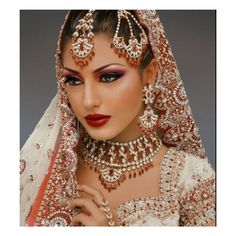 arabic makeup {bride} ❤ liked on Polyvore Asian Wedding Makeup, Bridal Makeup Tips, Indian Bridal Makeup, Asian Bridal, Bridal Updo, Bride Makeup, Hair Makeup, Eye Makeup, Arabic Makeup
