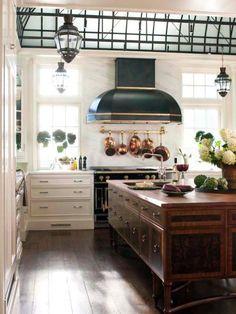 20 Dreamy Kitchen Islands | Kitchen Ideas & Design with Cabinets, Islands, Backsplashes | HGTV