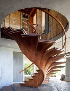 Awesome woodworking engineering!.. More Woodworking Projects on www.woodworkerz.com