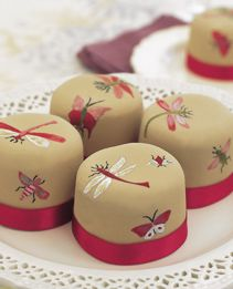 bugs & butterflies mini cakes from little venice cake company