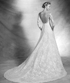 VARNAVA , wedding dress with long sleeves, sweetheart neckline and romantic | Pronovias