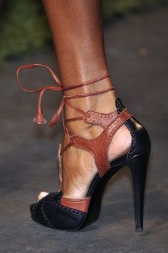 two toned Hermes heels...for anyone who thinks black and brown don't work together...