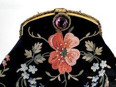 Buyer & Seller of Antique Lace, Fine Linens, Vintage Clothing, Haute Couture, Textiles, Fans: Antique Purses