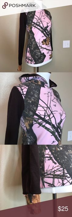 """{Mossy Oak} Pink Camo Hoodie Pre-loved ❤️ in great condition! Approx 16"""" pit to pit and approx 22"""" long. Super cute! Mossy Oak Tops Sweatshirts & Hoodies"""