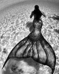 Diamond Painting Cross Stitch Mermaid in the water Diamond Embroidery portrait Mosaic Picture Rhinestones Full Gift Resin Mermaid Wallpapers, Mermaids And Mermen, Le Havre, Mermaid Art, Dark Mermaid, Mermaid Mermaid, Underwater Photography, Diy For Girls, Fantasy Art