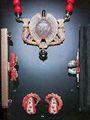 Coleccion Joyas de MARIA FELIX Aretes de clip elaborados en coral, diamantes y esmeraldas