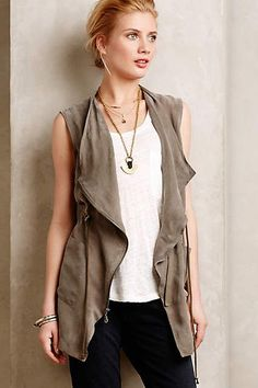 Anthropologie EU Lodge Anorak Vest. Drawing upon vintage references, Elevenses evokes a mood of modern elegance with finely tailored classics that play with colour, shape and detailing. Case in point: this versatile, mossy hued cupro vest.