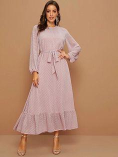 2000s Fashion, Fashion 2020, Fashion Tips, Dress P, Dress Outfits, Dot Dress, Casual Outfits, Modest Fashion, Fashion Dresses
