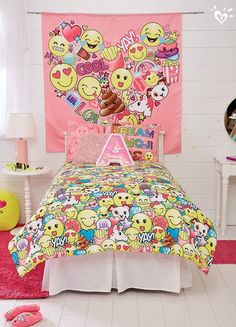 All-over emoji blanket, pillow sham, wall tapestry and more fab reasons to wake up to smiles.