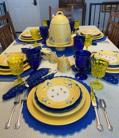 Yellow Placemats, Yellow Tablecloth, Yellow Dinnerware, Wood Bees, Table Centerpieces, Table Decorations, Table Place Settings, Bee Party, Bees Knees