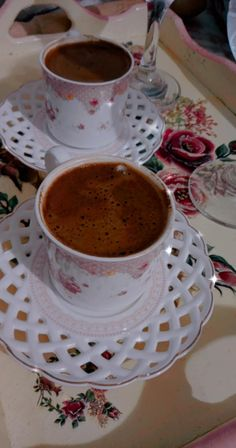 Donia, Autumn Photography, Chocolate Coffee, Coffee Time, Tea Cups, Arabic Proverb, Tableware, Recipes, Caffeine