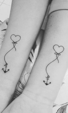 Mother Daughter Tattoos, Tattoos For Daughters, Best Friend Tattoos, Sister Tattoos, Small Couple Tattoos, Small Tattoos, Rose Tattoos, Body Art Tattoos, Freundin Tattoos