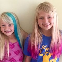 DIY: get ombre hair with rainbow tips at home (cute color for girls) - Diy hair color at home - Mura Hair Dye For Kids, Kids Hair Color, Girl Hair Colors, Cool Hair Color, Blue Tips Hair, Colored Hair Tips, Ombre Hair At Home, Ombre Hair, Diy Hair