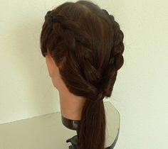 Peinado con trenzas Long Hair Styles, Beauty, Fashion, Plaits Hairstyles, Moda, Fashion Styles, Long Hairstyle, Long Haircuts, Long Hair Cuts