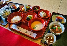 Traditional Japanese Buddhist Cuisine (Shojin Ryori): A Starter's Guide Memorial Day Foods, Diet Recipes, Healthy Recipes, Vegetarian Recipes, Hummingbird Food, Balance, Healthy Cooking, Healthy Food, Food Cravings