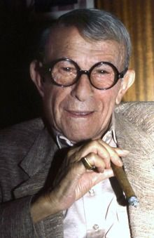 George Burns (January 1896 – March born Nathan Birnbaum, was an American comedian, award-winning actor and best-selling writer. I remember as a child watching The George Burns & Gracie Allen Show The Comedian, Comedian George, Hollywood Stars, Classic Hollywood, Old Hollywood, Hollywood Actor, Hollywood Glamour, George Burns, Famous Men