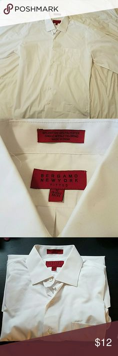 Men's White fitted dress shirt Like new! White dress shirt for Men. My fiance hulked out and can't fit his dress shirts. Bergamo Shirts Dress Shirts