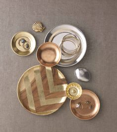 Create beautiful chevron dishes with Martha Stewart Crafts Decoupage Gilding Sheets #marthastewartcrafts