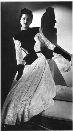 1939 - Balenciaga black velvet bodice