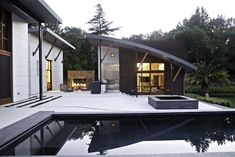 Welcome to Ideas of Saratoga Creek House by WA design article. In this post, you'll enjoy a picture of Saratoga Creek House by WA design de. Design Exterior, Roof Design, Gym Design, Modern Exterior, Houses Architecture, Interior Architecture, Moderne Pools, Pool House Designs, Swimming Pool House