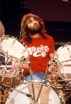 Thirty years ago today Beach Boys drummer (and designated eye candy) Dennis Wilson drowned on Dec. 1983 while diving from his yacht after drinking all day. He was SAD HE WAS GONE BEFORE HIS TIME Sound Of Music, My Music, Rock Music, Wilson Brothers, Dennis Wilson, The Beach Boys, Classic Rock, Pretty People, The Beatles