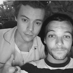 Starrybeauty h style, love of my life, larry stylinson, harry styles, harry e Larry Stylinson, Louis Tomlinson, Selena Gomez, Fanfiction, Larry Shippers, Wattpad, Louis And Harry, One Direction Pictures, Ome Direction