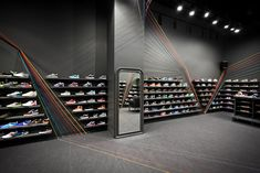 mode:lina bounces bright lines across run colors sneaker store