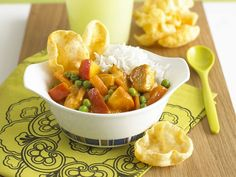 Simple to make, but with a delicious mild, fruity curry chicken flavour. If you like you could add some baby sweetcorn. Its great served with poppadums and fluffy white rice.