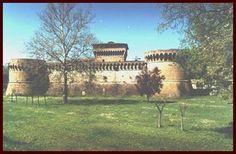Name: Castello di Caterina Sforza        Also called Castello di Ravaldino.  Location:   Country: Italy