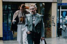 Móda z ulice: V Praze právě letí extravagantní styl - Žena.cz - magazín pro ženy