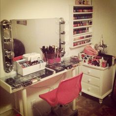 makeup station, want this in my future home! Or when I redo my room! Makeup Rooms, Makeup Desk, Makeup Tables, Makeup Salon, Makeup Studio, Hair Makeup, Make Up Storage, Storage Ideas, Glam Room