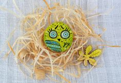 Hand painted Halloween cute owl brooch artisan eco friendly lover jewelry colorful bird wooden crazy big eye animal pin badge backpack gift