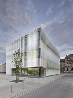 Sporthalle Kepler- und Humboldt-Gymnasium by h4a Architekten / Karl-Schefold-Straße 16, 89073 Ulm, Germany