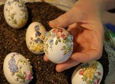 Embroidery on eggshells so pretty