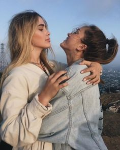 Would want to try bisexual sex? Meeting bisexual girls and couples, Free Join today. Photos Bff, Best Friend Pictures, Bff Pictures, Couple Photos, Cute Lesbian Couples, Cute Couples Goals, Lesbian Love, Couples Lesbiens Mignons, Shooting Photo Amis