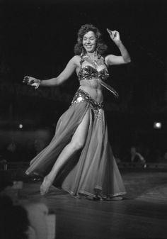 """Libros """"El reinado de las Bailarinas""""   La Danza Oriental al día"""