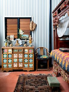 The unique home of Adrian and Fran Welke in Freemantle. Styling – Jo Carmichael. Photo – Jody D'Arcy on thedesignfiles.net