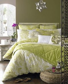 Bring a sense of the Orient into your home with this beautiful Persian printed bed linen. Vivid lime paisley contrasts with the crisp white cotton ground, creating a fresh summery feel that will brighten any bedroom. The inverted colour combinations add depth and intensity to the layering of the bedding.