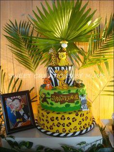Cake at a Jungle Safari Party #jungle #partycake