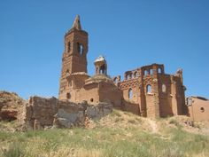*SPAIN~THE RUINS of BELCHITE: THE SPANISH CIVIL WAR 1936-1939.Belchite sat directly on the front. Initially controlled by Nationalist army,the Republican army took Belchite after a siege lasting from August 24th until September 7th,1937.A number of Americans,part of the Abraham Lincoln Battalion of the International Brigade,took part in the siege not long after its Republican capture. Ernest Hemingway+2 other journalists,Martha Gellhorn+Herbert Matthews,were said to have visited the battle…