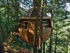 HemLoft is a self-funded secret egg-shaped tree house built by Joel Allen on crown land (government owned) in Whistler, BC, Canada. Tree Deck, Location Chalet, Forest Cabin, Cool Tree Houses, Tree House Designs, Getaway Cabins, Unique Trees, Backyard Projects, Backyard Designs