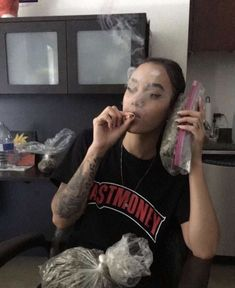 Learn how to get the biggest yields from cannabis plant and what you need to get started, without wasting money! Gangsta Girl, Fille Gangsta, Girl Smoking, Smoking Weed, Estilo Chola, Rauch Fotografie, Thug Girl, Hood Girls, Bad Girl Wallpaper