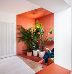 sequencehouse: A 124-Square-Meter Flat in Madrid Filled with Primary Colors - Design Milk