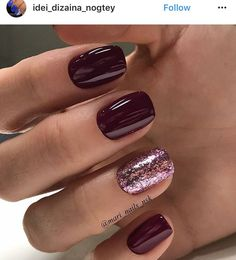 Like the solid nails with one glitzy one