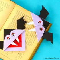 Vampire Corner Bookmark – Fun Looking DIY Halloween Bookmark