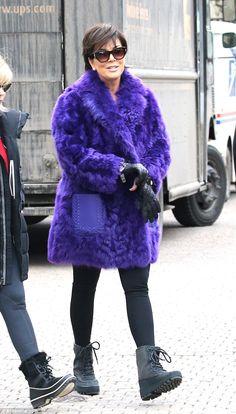 The 'momager' kept super-cosy in an oversized fluffy purple coat, leggings and chunky boots Kardashian Jenner, Kendall Jenner, Kardashian Family, Kylie, Kris Jenner Style, Purple Blazers, Purple Coat, Sheepskin Coat, Mature Fashion