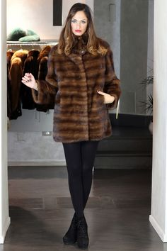 GIACCA PELLICCIA VISONE FEMMINA PELZ PELZMANTEL JACKE NERZ FOURRURE | eBay Mantel, Fur Coat, Inspiration, Outfits, Ebay, Women, Style, Fashion, Furs