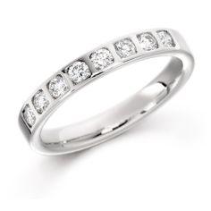 18 carat Diamond Set Wedding Ring. www.colejewellers.com