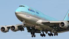 Korean Air Boeing 747-4B5 (registered HL7487) Korean Airlines, Boeing 747, Bird Watching, Airplanes, Aircraft, Planes, Aviation, Airplane, Plane