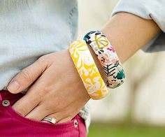These fabric-wrapped bangles are a quicky and easy DIY! More jewelry favorites: http://www.bhg.com/beauty-fashion/fashion/diy-jewelry/?socsrc=bhgpin070614fabricwrappedbanglespage=3